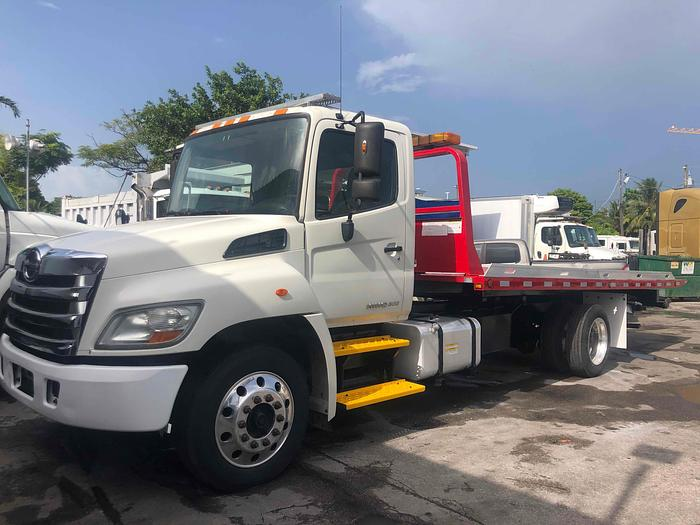 Used 2013 HINO Flatbed Truck, Rollback Tow Truck, Winch Truck 268A