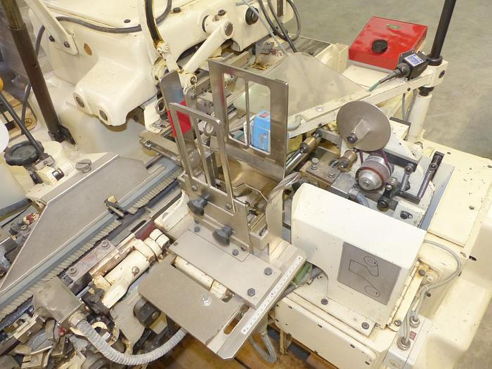 Used gebr. Riegelpackmaschine SIG Type DSR.