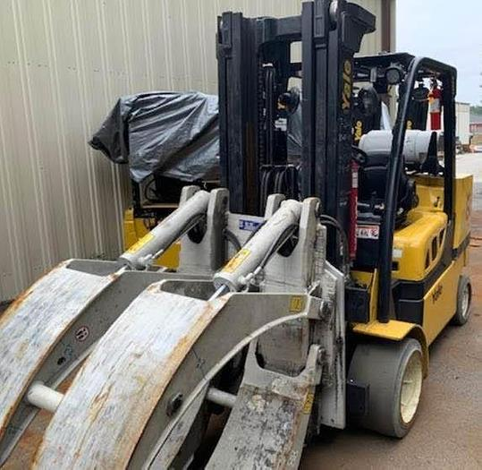 """Used 12,000 POUND YALE ROLL CLAMP TRUCK MODEL GLC120VXPRS W/ 72"""" CLAMP MFG. 2015 LOWERED MAST 92"""""""