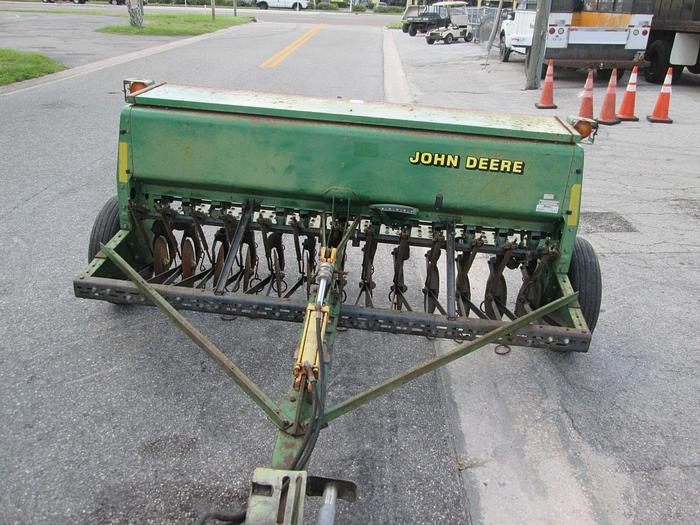 John Deere 450 grain drill seeder