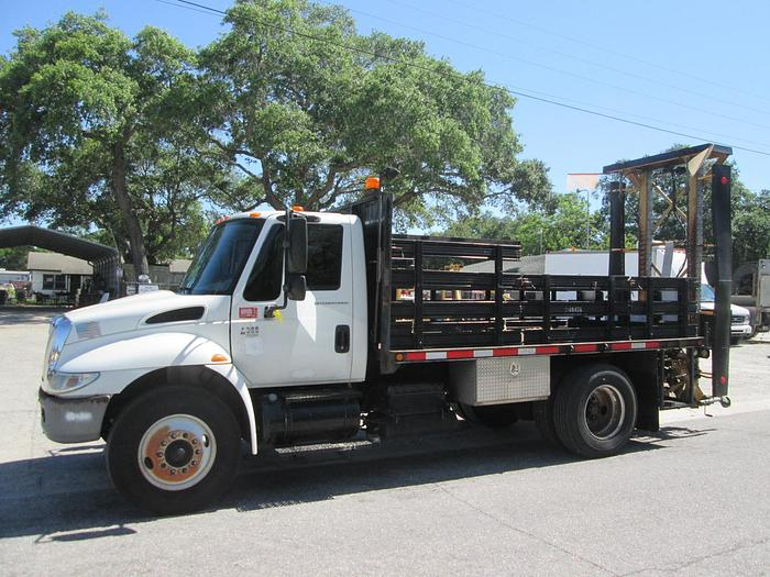 2005 International 4300 Attenuator Truck