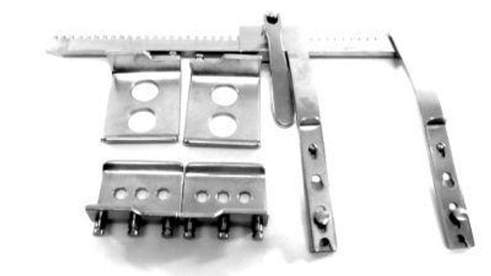 Used Retractor Thoracic Burford Finochietto Self Retaining Complete with 4 Blades