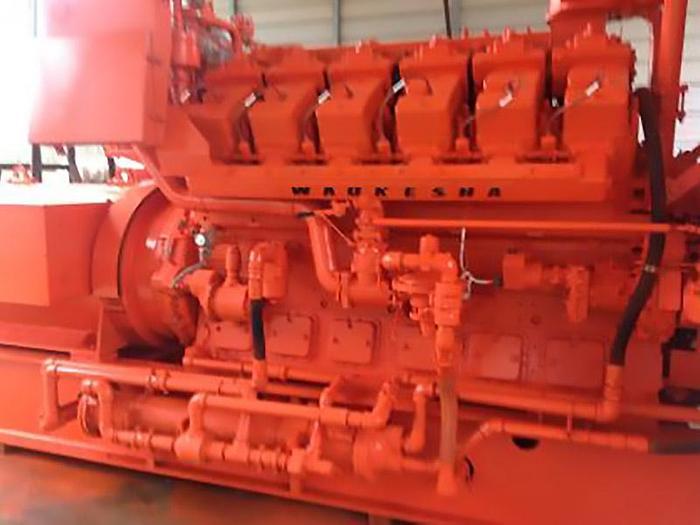 2 MW Used Waukesha L7042GSI Natural Gas Generators