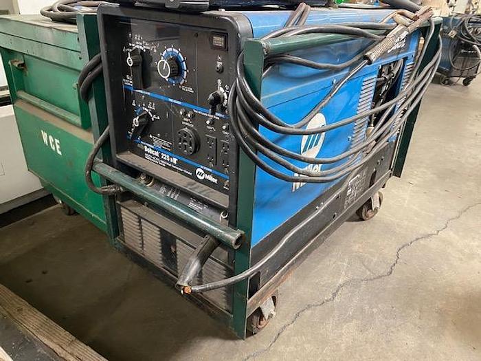Used Miller Bobcat 225 NT Gasoline Generator Welder #5809