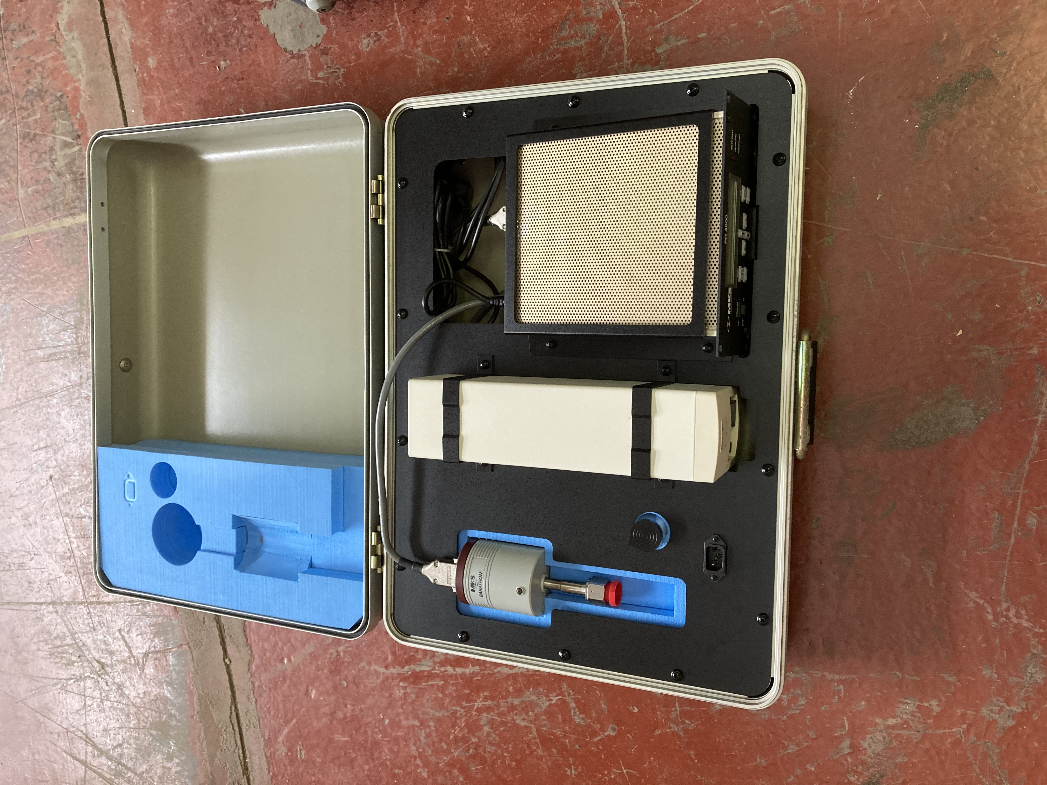 Used MKS PR4000 Flow and Pressure Controller