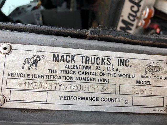 1994 MACK CL613