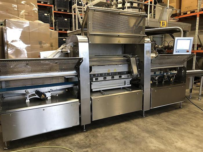Used Multivac T800 high speed MAP traysealer