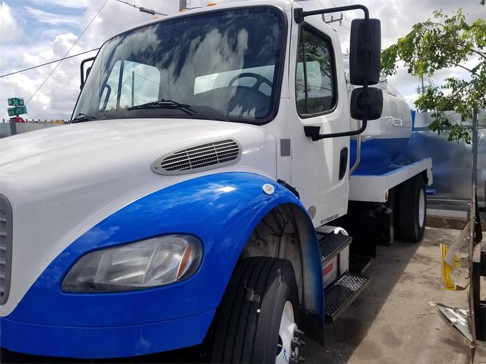 2013 FREIGHTLINER BUSINESS CLASS M2 106 SEPTIC TANK TRUCK