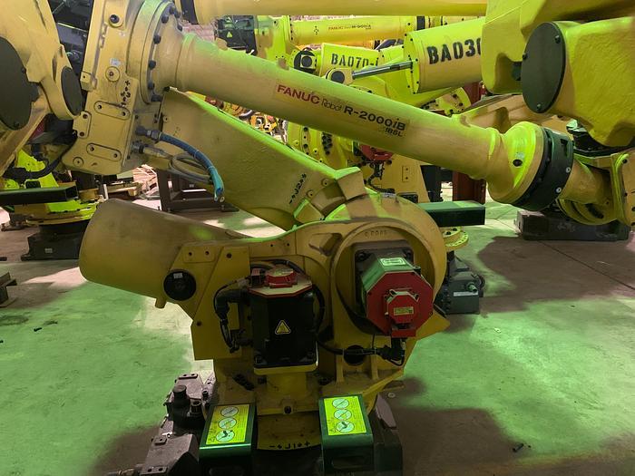 Used 2014 FANUC R2000IB/185L 6 AXIS ROBOT 3,060 mm X 185 kg WITH R30iA CONTROLLER