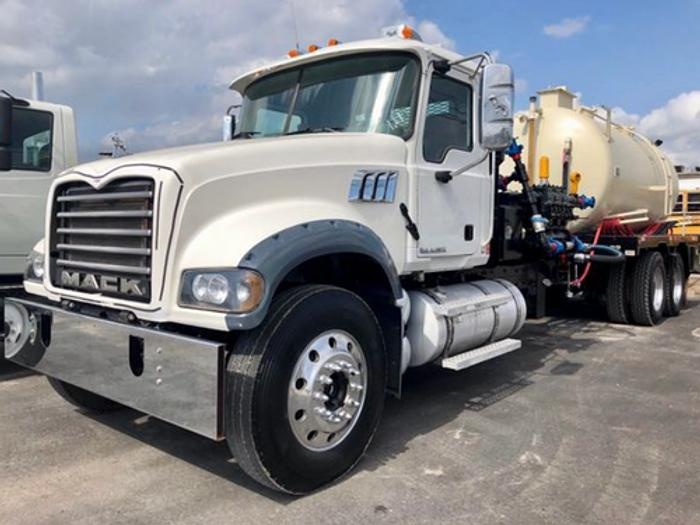2007 Mack Granite Bobtail Kill Truck
