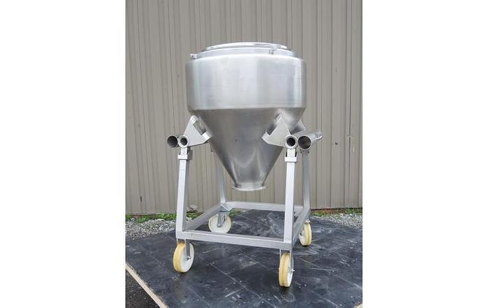 USED 100 GALLON TANK (TOTE), STAINLESS STEEL
