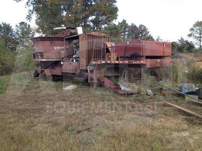Used 1998 DuraTech HD-12 Tub Grinder