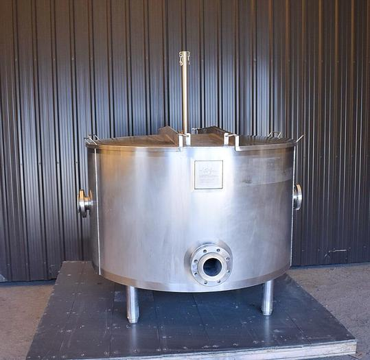 Used USED 200 GALLON TANK, 316 STAINLESS STEEL, INSULATED