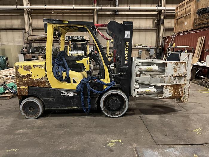 """Used 15,500 HYSTER S155FT FORKLIFT WITH 75"""" HEAVY DUTY CASCADE ROLL CLAMP"""