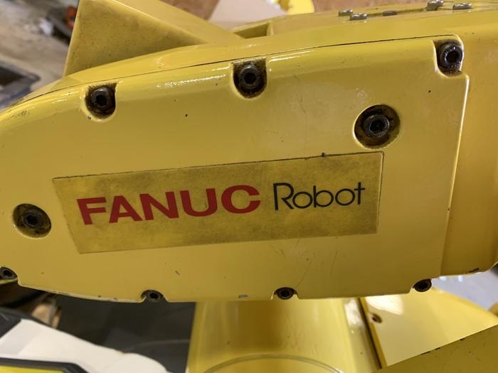 FANUC LR MATE 200iB 6 AXIS CNC ROBOT WITH LR MATE RJ3iB CONTROLLER