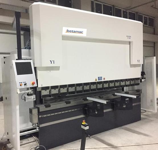 PIEGATRICE CNC SINCRO SERIE MAXIMA 2600X100 3 AX CE NUOVA
