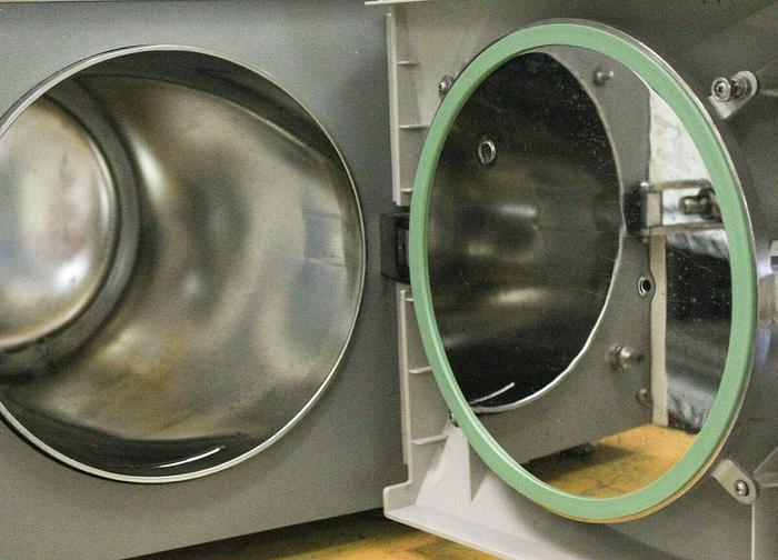 Used Tuttnauer Heidolph 2540EKAP Autoclave Steam Sterilizer 230V Used (7091) R