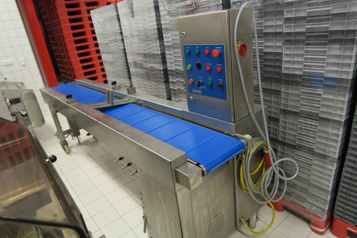 BAKON CHOCOLATE/ JELLY / TOFFEE / CARAMEL / FONDANT DEPOSITING MACHINE