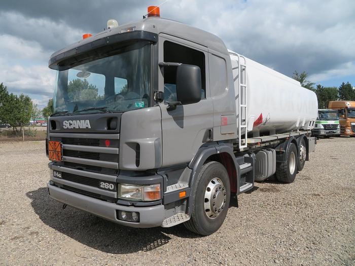 Meget god 2000 Scania P94/260 6x2*4 18.000 l. ADR