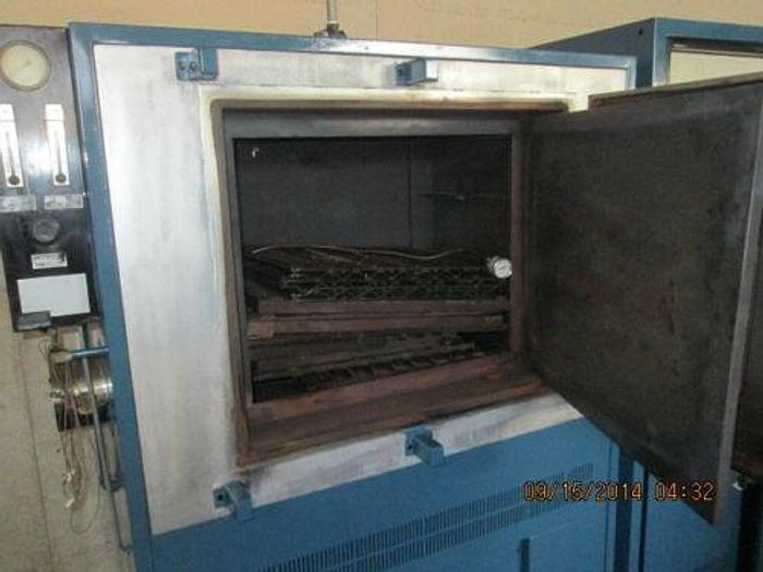 "BLUE M 1100 DEGREE OVEN / FURNACE MDL BCC 170G MP2 20"" X 20"" X 24"" INSIDE"