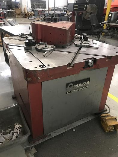 Used 1986 Amada CSW-250 Hydraulic Notching/Coping Machine
