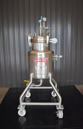 Used USED 25 GALLON TANK (VESSEL), STAINLESS STEEL, RATED FULL VACUUM