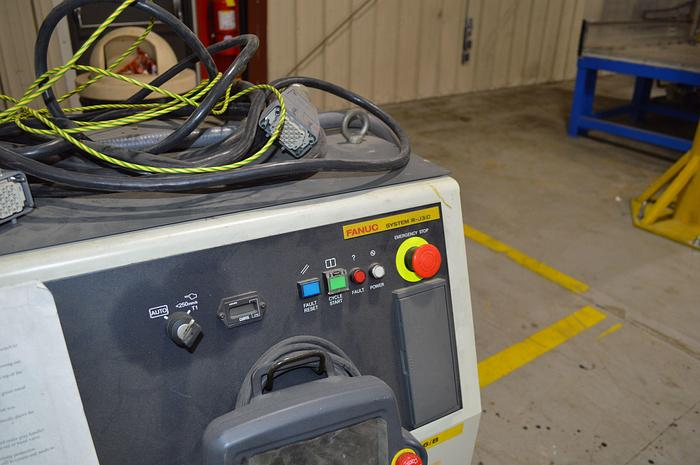 FANUC M-6iB/6S WITH R-J3iC CONTROLS, TEACH PENDANT & CABLES