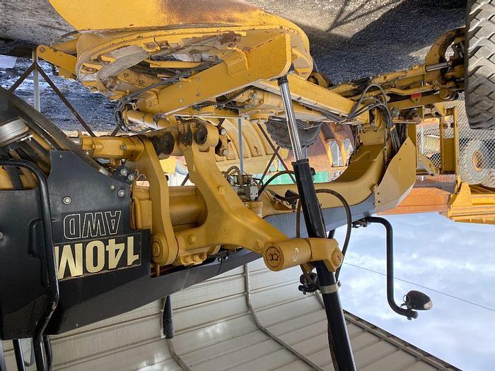 Used 2009 CATERPILLAR 140M AWD