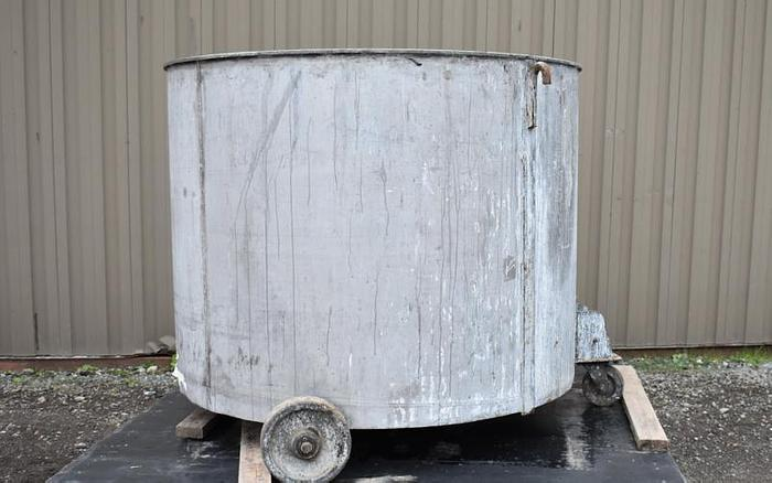 Used USED 390 GALLON TANK, STAINLESS STEEL