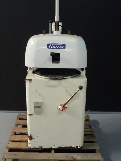 NUSSEX P3U 36 PART SEMI-AUTOMATIC DIVIDER/ROUNDER 0001380