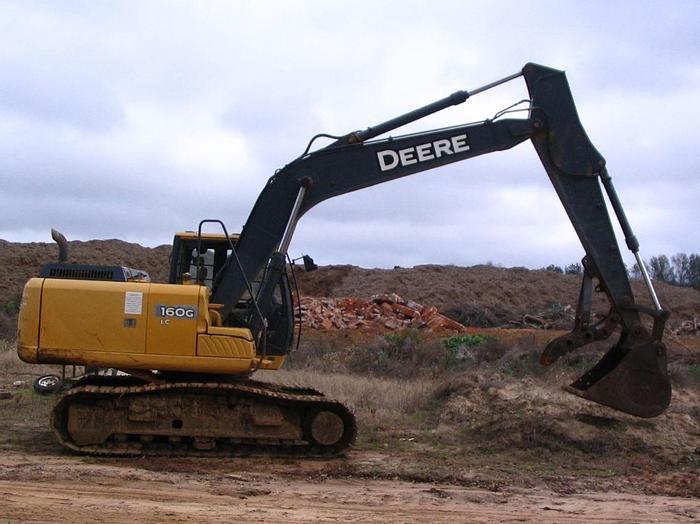 Used 2011 DEERE 160G LC