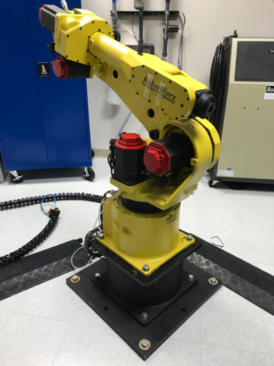 FANUC M16iB WITH RJ3iB VERY LITTLE USE AFTER REFURBISHMENT