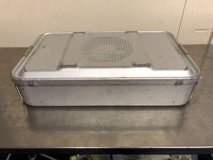Used Aesculap Case Sterilisation 440 x 270 x 95mm with locking lid