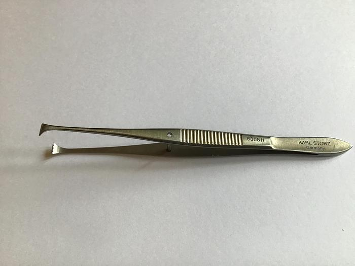 Used STORZ Forceps Tissue Dissecting Straight with 7 to 8 Fine Teeth 110mm (4-1/2in) 530811