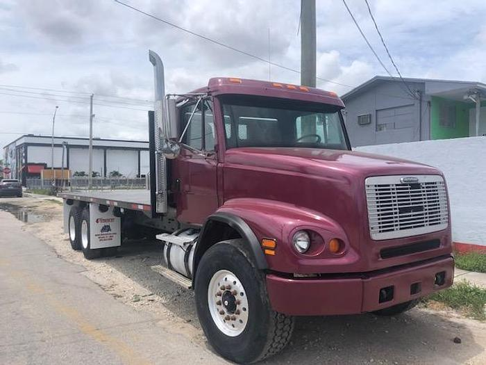 2000 FREIGHTLINER M2 FLATBED WITH PIGGY BACK SYSTEM