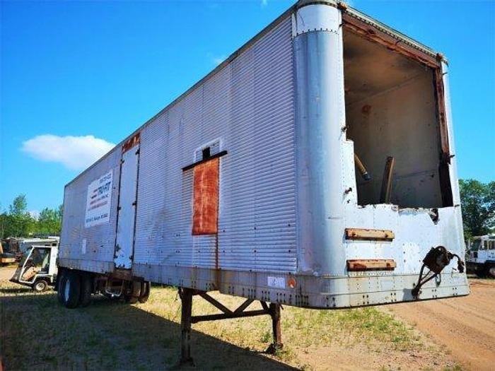 2000 HOBBS Car Carrier Trailers Enclosed