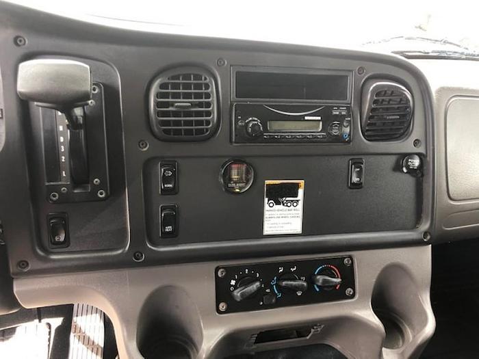 2012 FREIGHTLINER M2 M2106 BOX TRUCK UNDER CDL