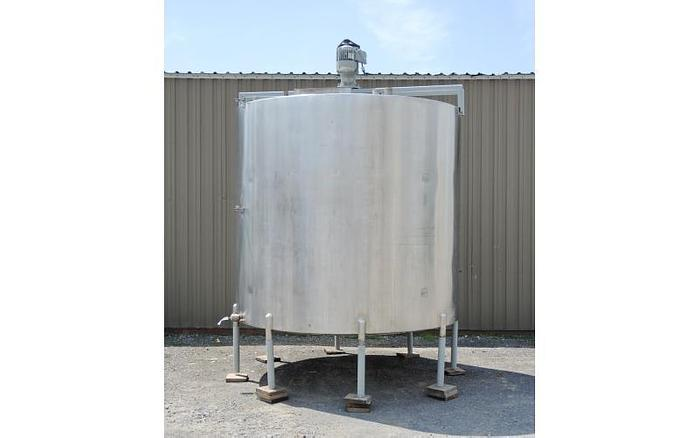 Used USED 3500 GALLON TANK, STAINLESS STEEL, WITH 2 HP MIXER