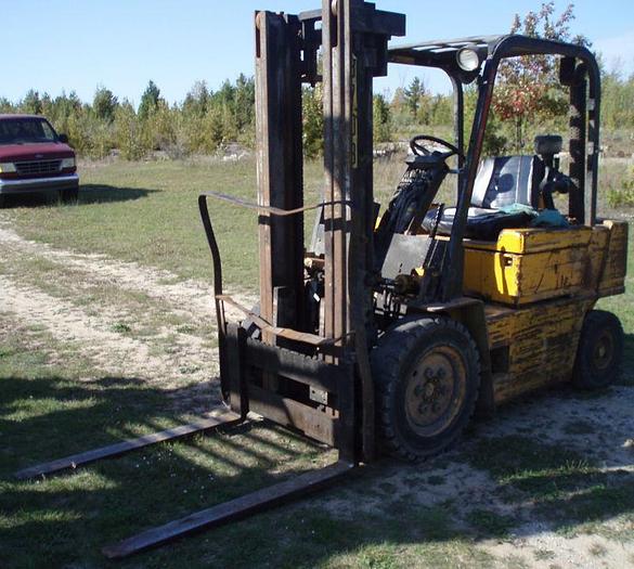 5,000 lb. CATERPILLAR Model V50D Forklift; Pnumatic Tires; Diesel