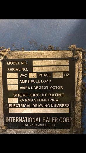 Used INTERNATIONAL HORIZONTAL BALER