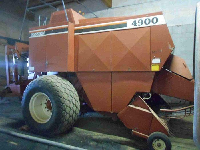 Used Hesston 4900 Baler
