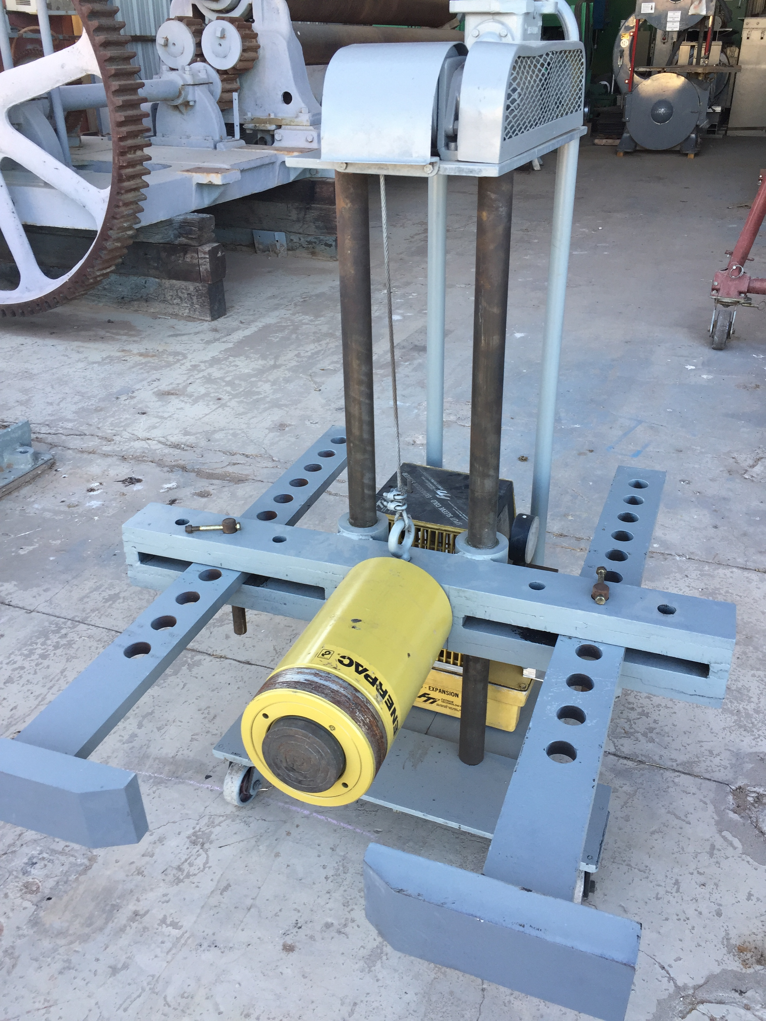 150 Ton Industrial Gear / Wheel Puller