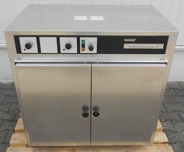 Used E 14379 D - Drying Oven MEMMERT UL 50