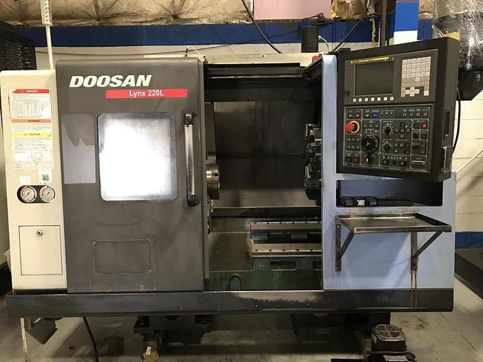 2014 DOOSAN LYNX 220LC CNC LATHE
