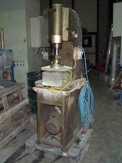 Used Hydraulic press VICENTINI