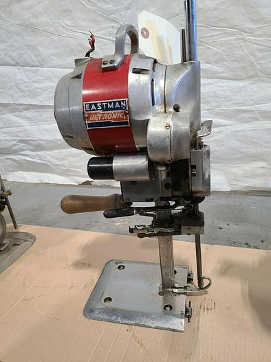 Used Eastman Ultronic Fabric and Leather Cutting Machine
