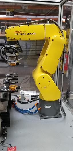 Used FANUC LR MATE 200iC 6 AXIS ROBOT WITH R30iA CONTROLLER