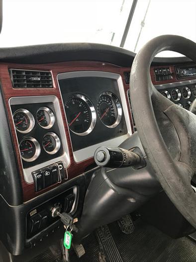 2007 Kenworth C500 Winch Truck
