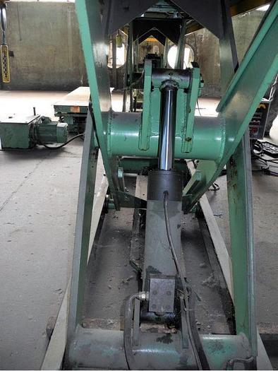Piattaforma elevatore C.F.M. 3000 Kg.