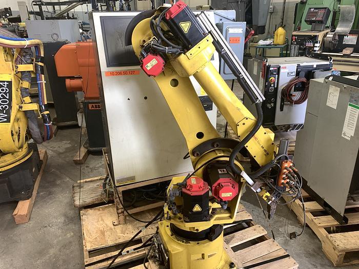 Used FANUC M16iB/20 6 AXIS CNC ROBOT WITH FANUC RJ3IB CONTROLLER